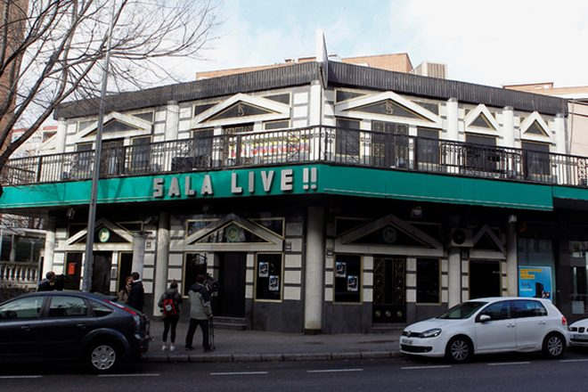Ceiling collapse at Madrid club injures 26