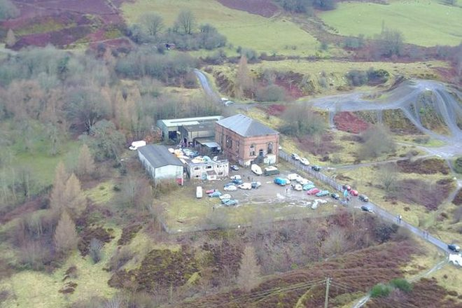 Welsh Ravers Return To Their NYE Venue To Help Clean Up Garbage