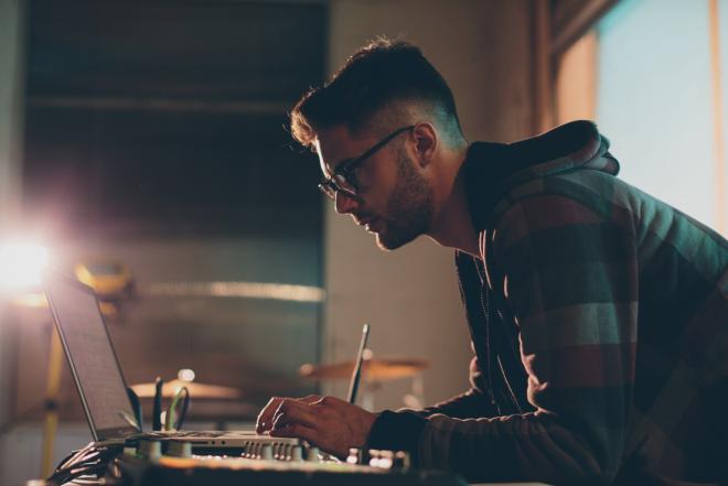 Sony Music ermöglicht als erstes Label die Monetarisierung illegaler Remixe