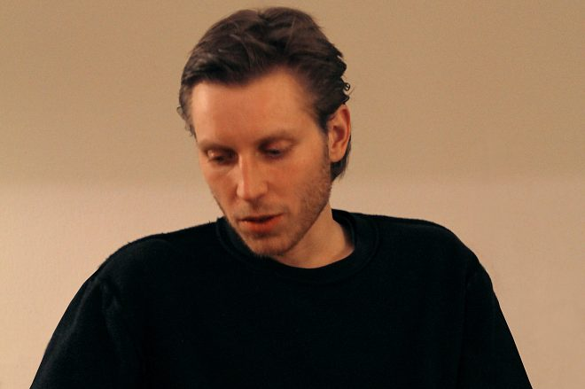 Premiere: Florian Kupfer is in the 'Post Present' with deep, dusty house