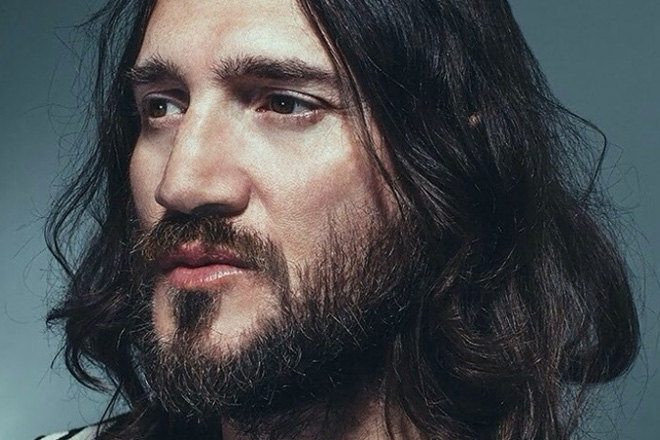 Ex-Chili Peppers guitarist John Frusciante is making another acid house album