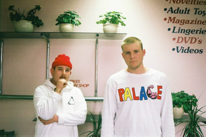 Premiere: Bicep-approved Sandboards race for 'Pinnk Slippz'