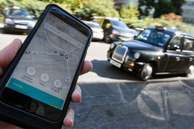 Uber wins back its taxi licence in London