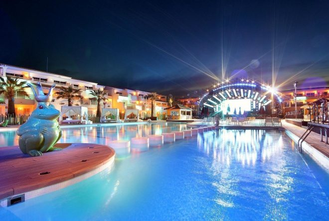 Auf Ibiza drohen verschärfte Restriktionen bei Lärmschutz und Gästezahl