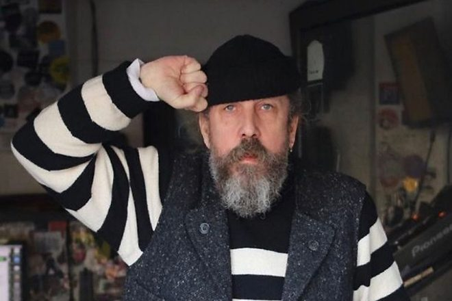 You can now download 900 hours of Andrew Weatherall DJ mixes