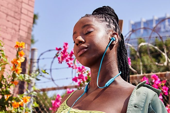 The Beats Flex headphones are now available in two more colours