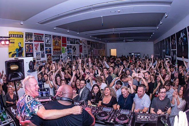 Watch Carl Cox back-to-back Fatboy Slim at the Saatchi Gallery