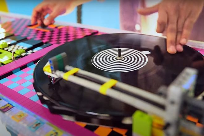 A musician has made working DJ decks out of LEGO