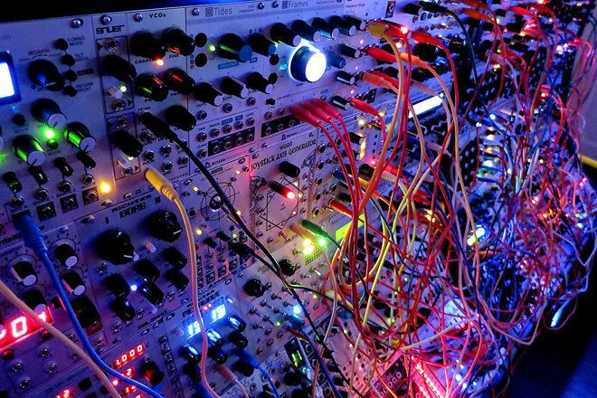 Stream modular synth documentary I Dream Of Wires