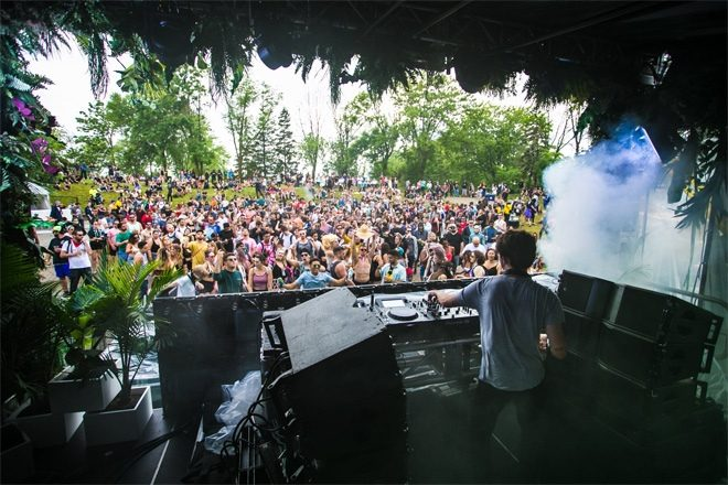 1500-person festival takes place in the Netherlands to test COVID safety