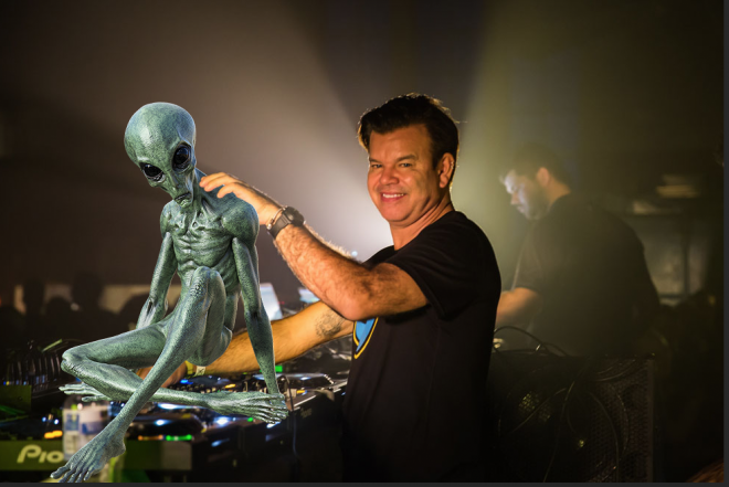Paul Oakenfold is reporting live from Area 51 for Mixmag