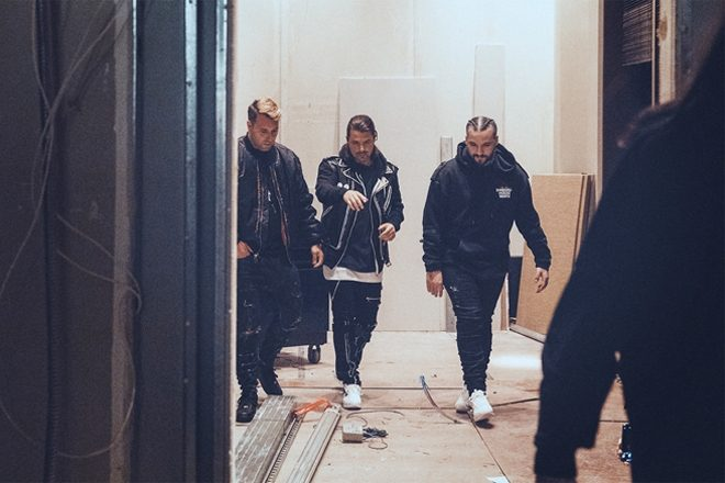 Swedish House Mafia sign deal with Columbia Records