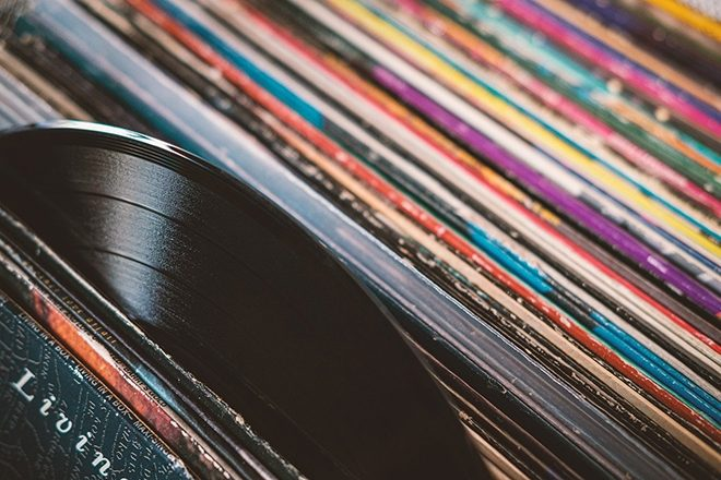 UK vinyl spending set to surpass CDs for the first time since 1987