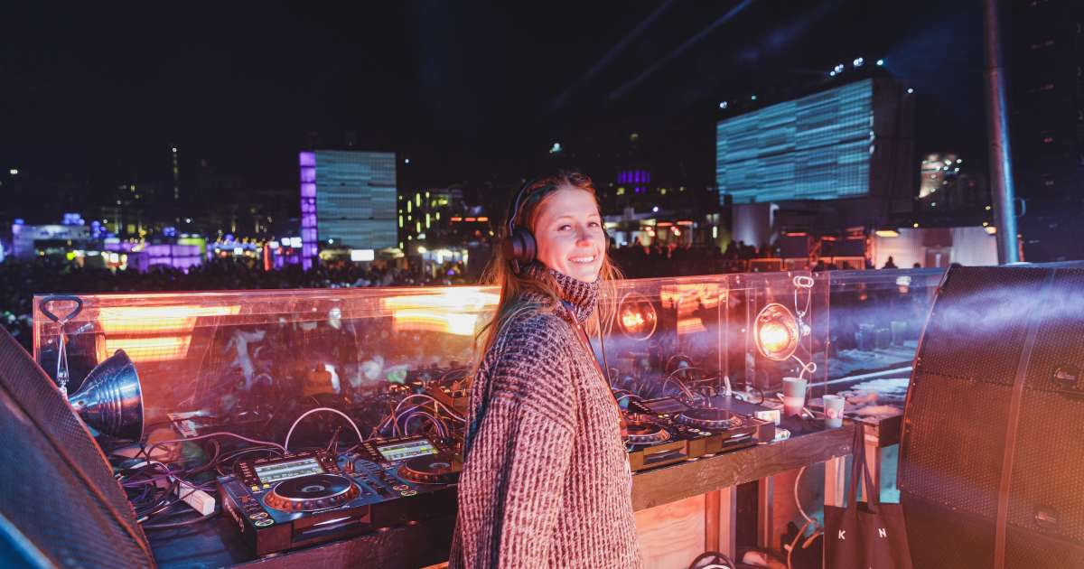 Love and raving come together at Montreal's Igloofest