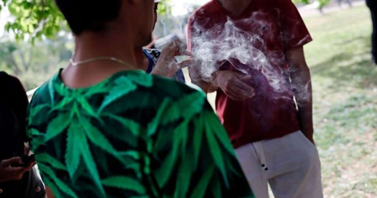 Marijuana legalization linked to decline in teen use, study finds