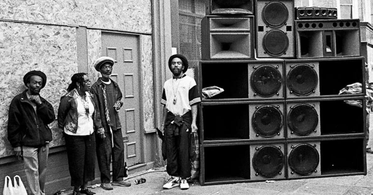 28 photos of sound systems through the ages