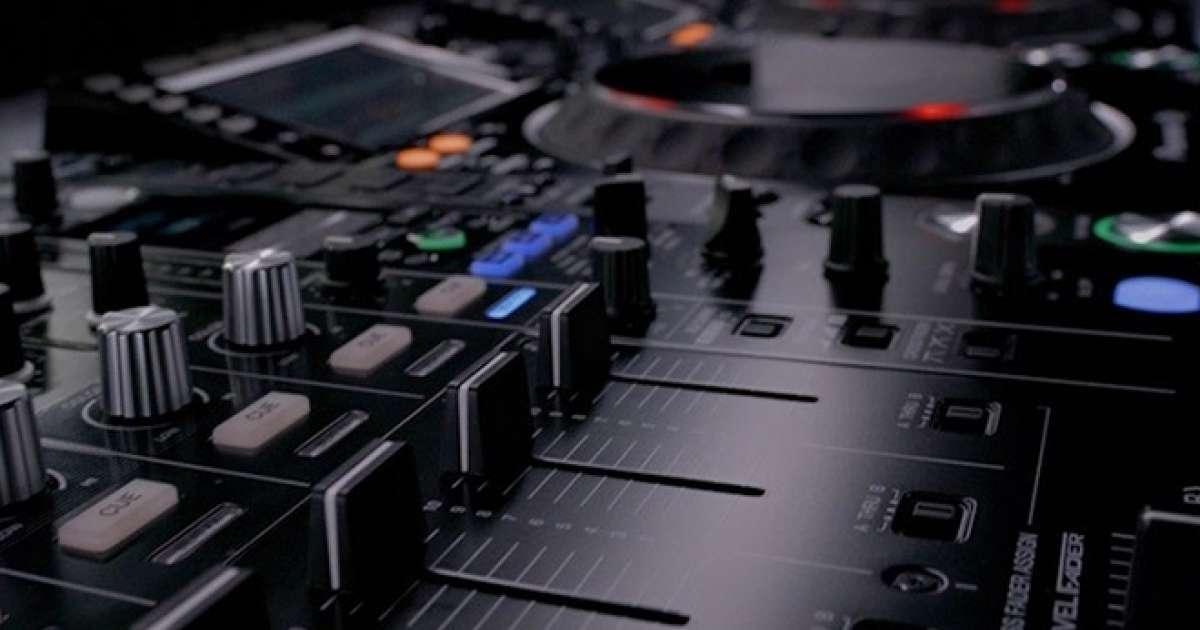DJ Academy is the way to kickstart your career behind the decks