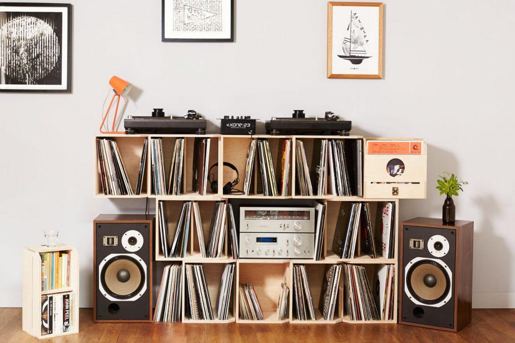 deeper crates bietet die passende l sung zur aufbewahrung eurer schallplatten news mixmag. Black Bedroom Furniture Sets. Home Design Ideas