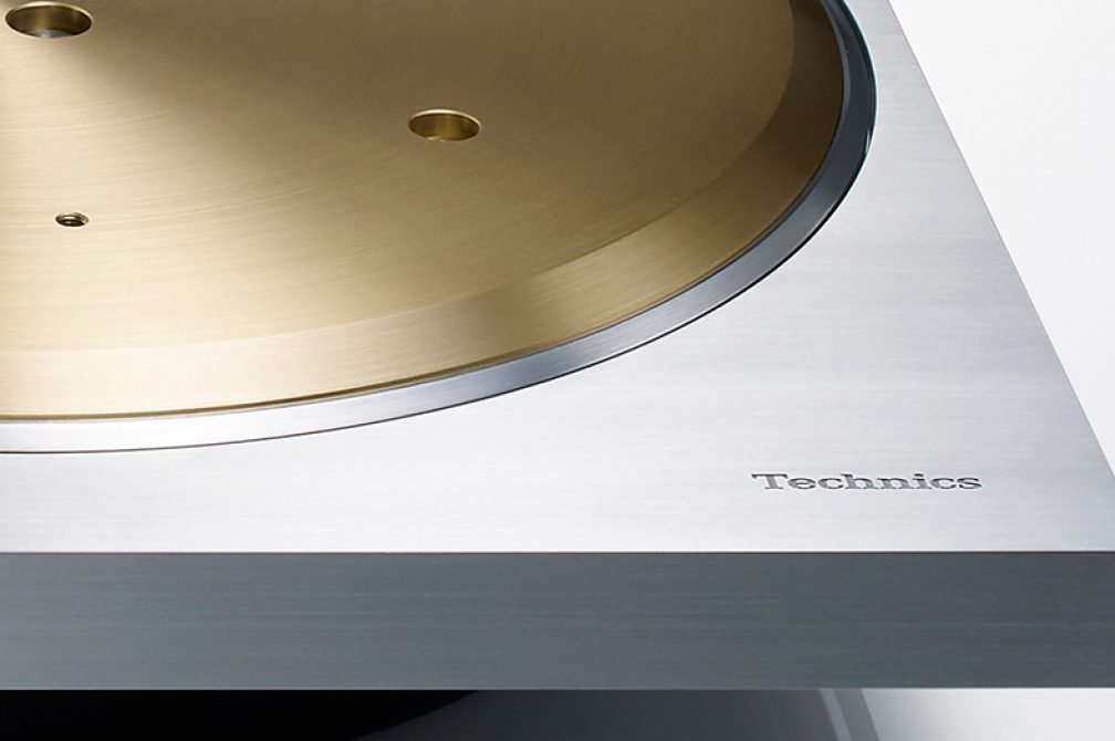 Technics modern turntable luxurious