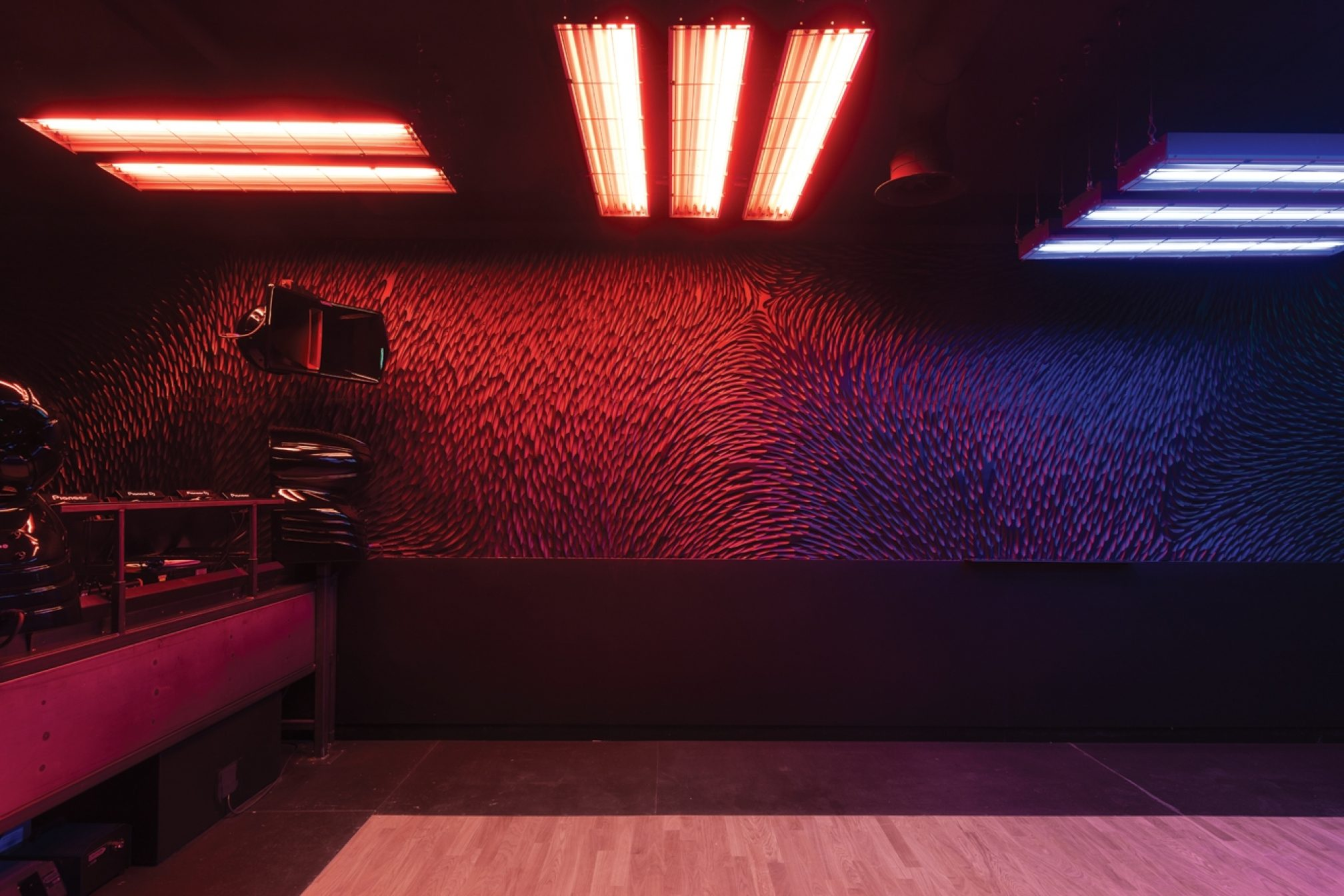 How Have Major Developments In Sound And Lighting Technology Influenced Nightclub  Design In The Past Couple Of Decades?