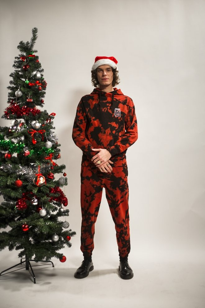 PAQ's Ways of Seeing to gift a limited edition run of Christmas apparel