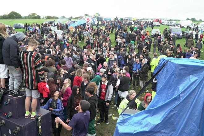 "Police found it ""impossible"" to stop a 3000-person rave in Somerset"