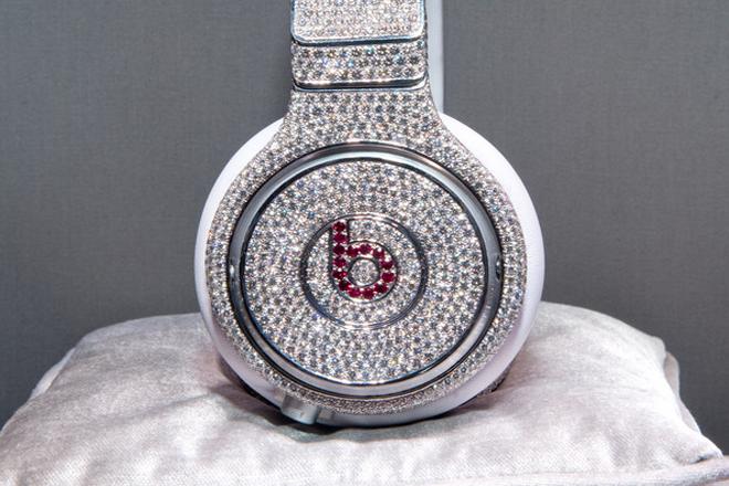 10 eye-wateringly expensive pairs of headphones - Blog