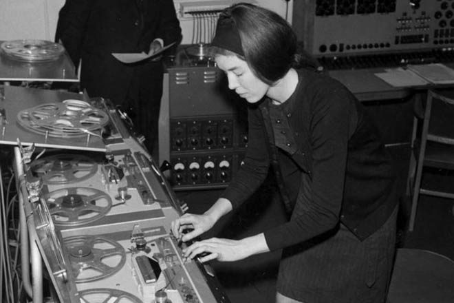 Electronic pioneer Delia Derbyshire awarded a posthumous PhD